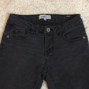 Jolt size 3 black stretchy skinny jeans